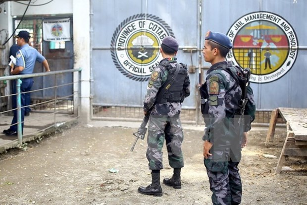 Philippine troops rescue two Malaysians kidnapped by militants hinh anh 1