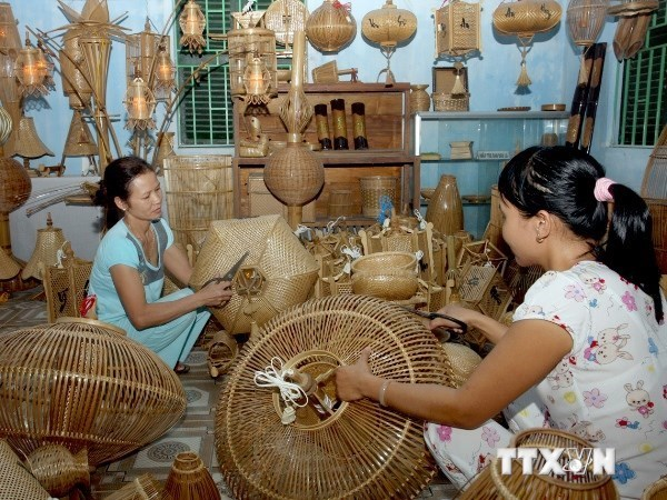 Photos of Vietnamese traditional trade villages displayed in Mozambique hinh anh 1