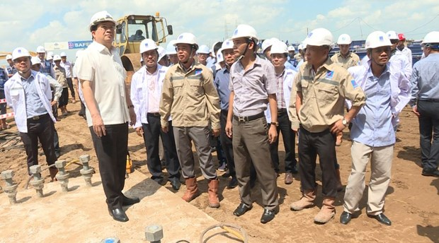 Deputy PM urges for faster progress of Long Phu 1 power plant hinh anh 1