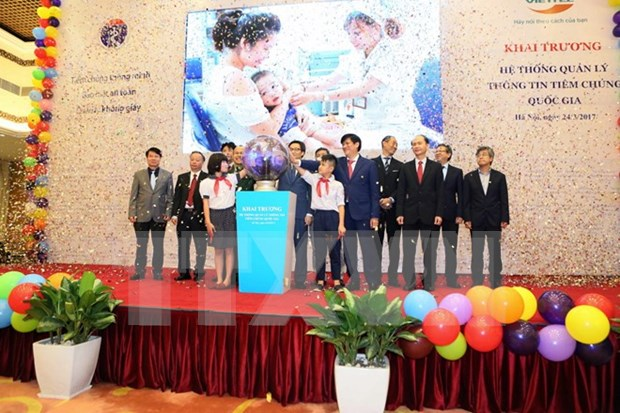 National vaccination management system launched hinh anh 1