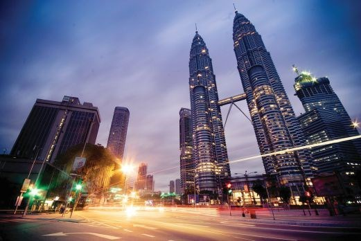 Malaysia's economy projected to grow up to 4.8 percent hinh anh 1