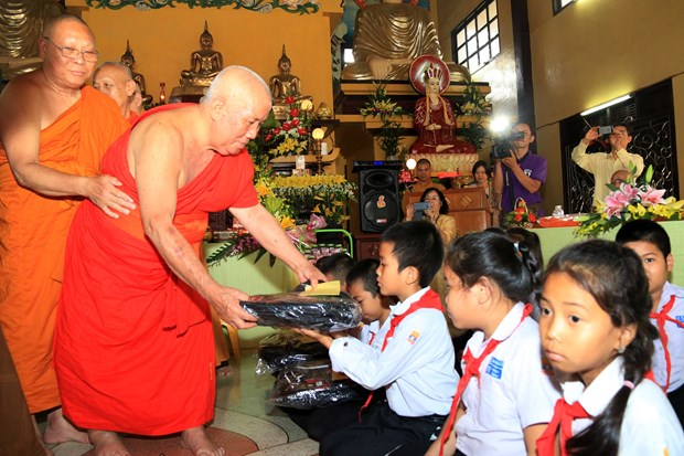 Renowned Vietnamese monk commemorated in Laos hinh anh 1
