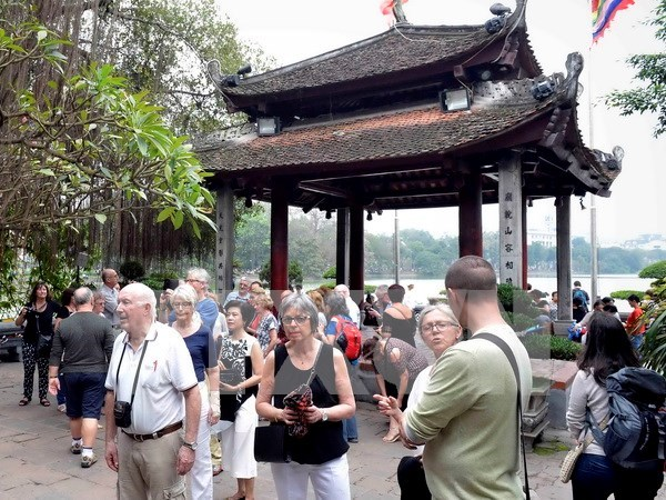 Vietnam welcomes over 3.2 million foreign visitors in Q1 hinh anh 1