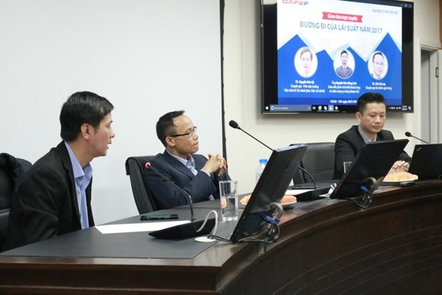 Experts foresee stable interest rates hinh anh 1