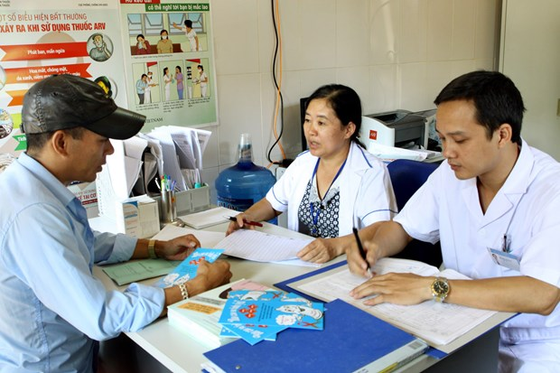 Obstacles in HIV/AIDS prevention should be removed: Experts hinh anh 1