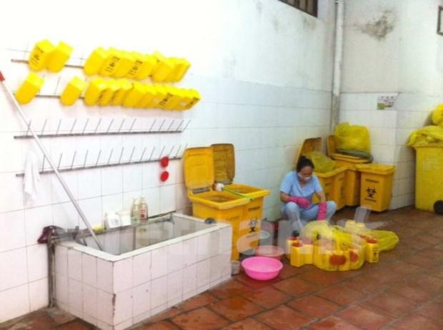 Many health clinics lack standard wastewater treatment hinh anh 1
