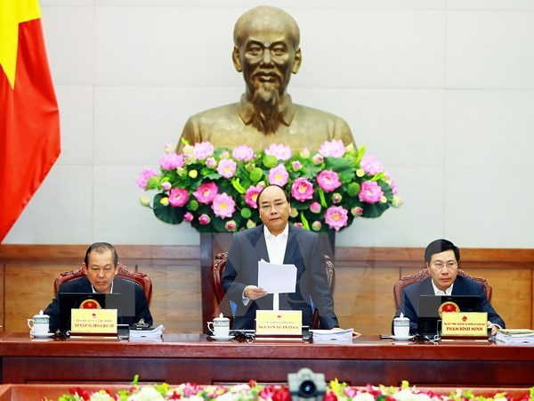 PM requests promoting GDP growth at gov't meeting hinh anh 1