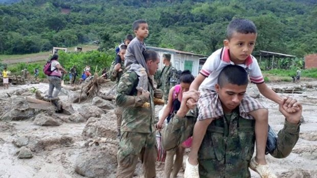 Condolences to Colombia, Peru over losses in landslides hinh anh 1