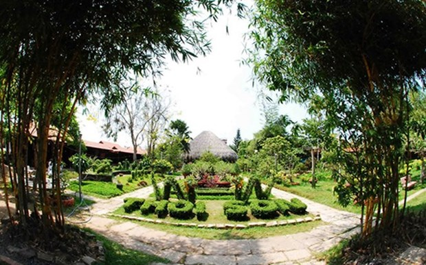 Tien Giang enjoys rise in visitors hinh anh 1
