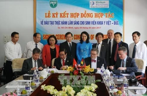 Vietnam, Germany cooperate in training medical manpower hinh anh 1