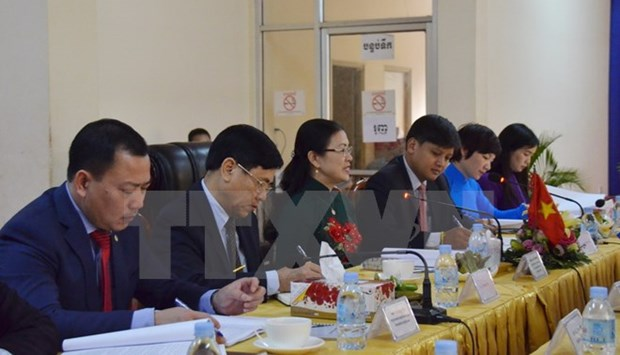 Vietnamese, Cambodian fronts discuss agenda for upcoming conferences hinh anh 1