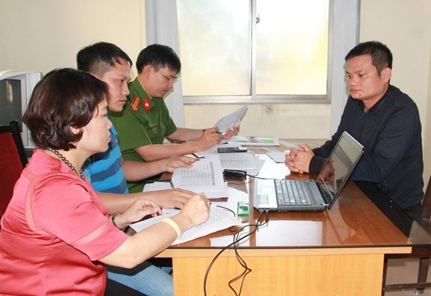 Nghe An police bust million-dollar gambling ring hinh anh 1