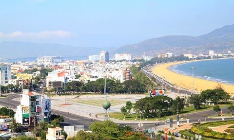 Binh Dinh lures 12 more investment projects hinh anh 1