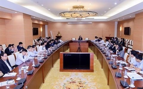 21 Vietnamese banks gather to discuss interest rates hinh anh 1
