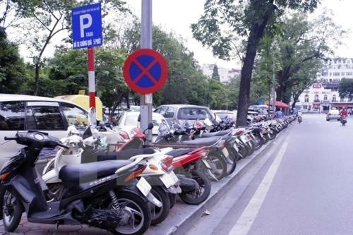 Hanoi needs more parks and parking areas hinh anh 1