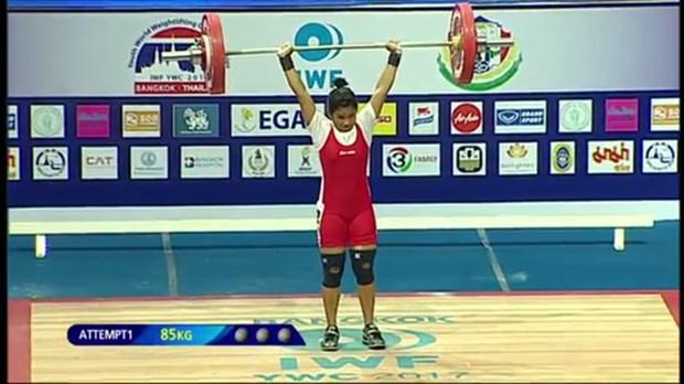 Vietnamese lifters shine at world champs hinh anh 1