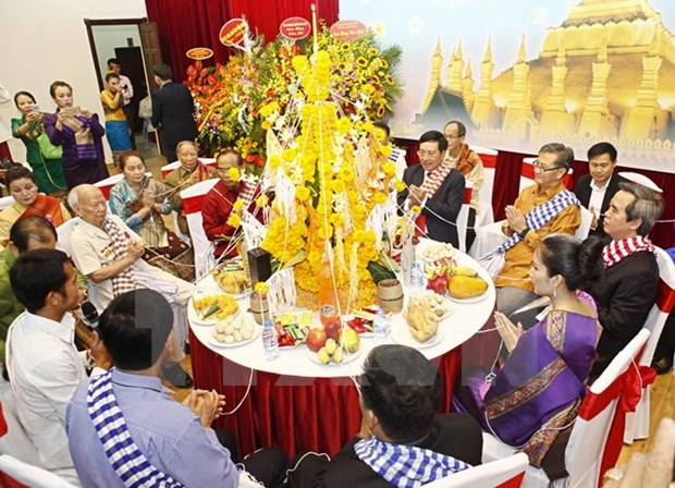 Laos' New Year festival celebrated in Hanoi hinh anh 1
