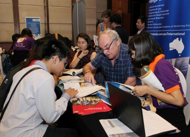 Nearly 60 institutions gather in Int'l Higher Education Day hinh anh 1