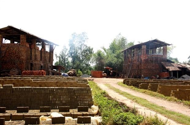 Dong Nai set to close handicraft brick-kilns by year end hinh anh 1
