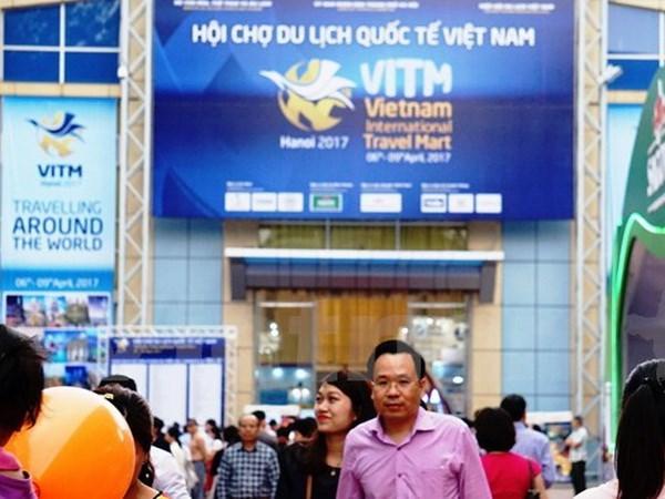 Vietnam int'l tourism mart draws 61,000 visitors hinh anh 1