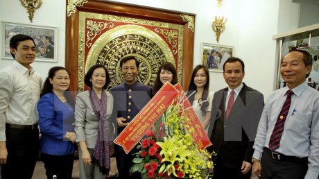 Party official congratulates Catholics, Protestants on Easter hinh anh 1