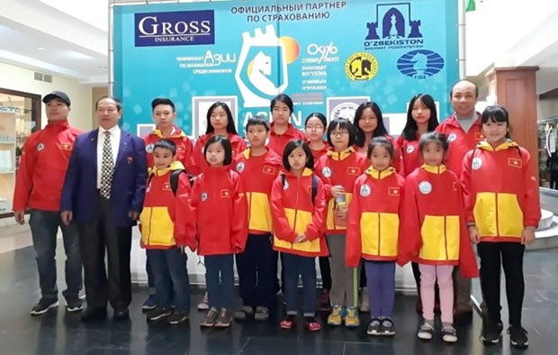 Vietnamese young masters win medals at Asian champs hinh anh 1