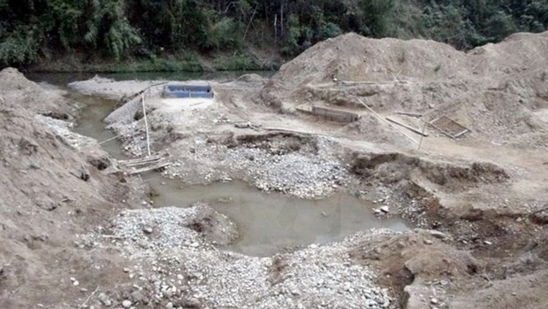 Gov't to fine minerals, water resources violations hinh anh 1