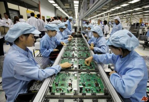 Forum looks into fourth industrial revolution's impacts on Vietnam hinh anh 1