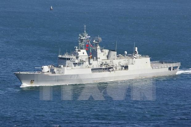New Zealand naval ship visits Da Nang hinh anh 1