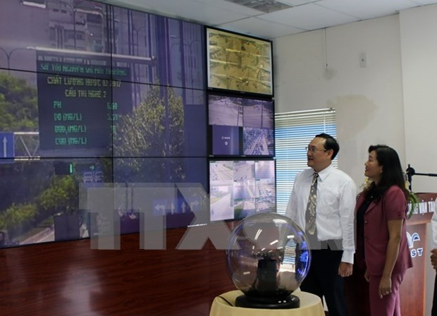 HCM City begins public display of air, water quality data hinh anh 1