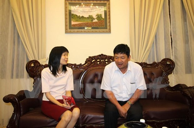 Doan Thi Huong's father visits daughter before trial hinh anh 1