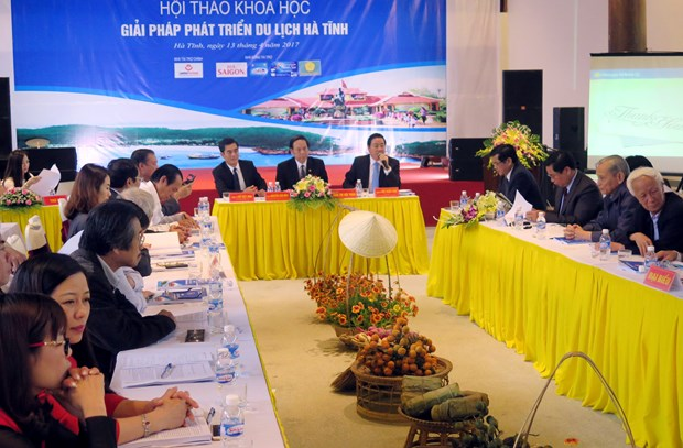 Ha Tinh seeks measures to recover sea tourism hinh anh 1