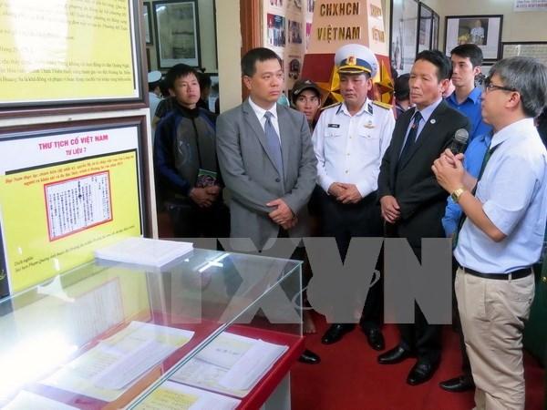 Exhibition on Hoang Sa, Truong Sa opens in Ha Tinh hinh anh 1