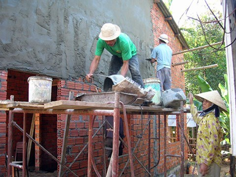 Hanoi builds houses for social policy beneficiaries hinh anh 1