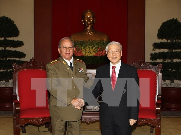 Cuba's defence minister hails visit to Vietnam hinh anh 1