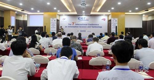 Da Nang hosts int'l conference on information technology hinh anh 1