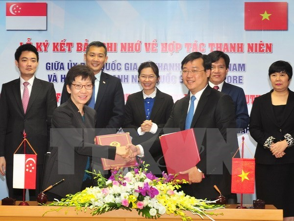 Vietnam, Singapore bolster youth cooperation hinh anh 1