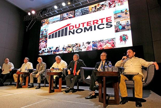 "Philippines announces ""Dutertenomics"" strategy hinh anh 1"