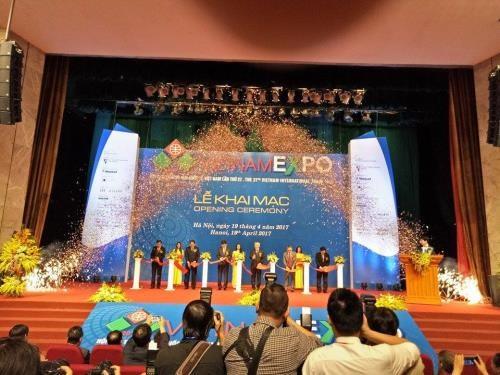 Vietnam EXPO 2017 opens in Hanoi hinh anh 1
