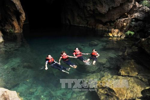 Quang Binh tourism recovers from sea environmental incident hinh anh 1