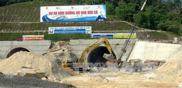 Construction of Ca Pass tunnel project nears completion hinh anh 1