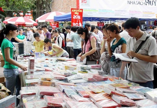 Book festival opens in Hanoi hinh anh 1