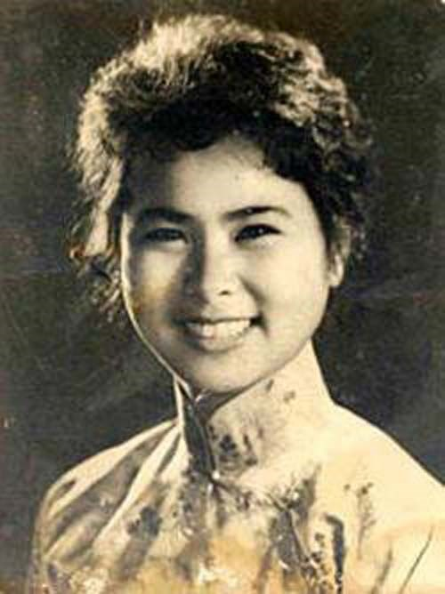 Late poet Quynh given Ho Chi Minh Prize hinh anh 1