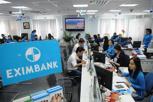 Eximbank to divest capital from Sacombank hinh anh 1