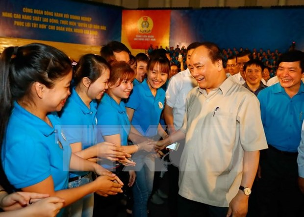 Prime Minister requests more care for workers hinh anh 1