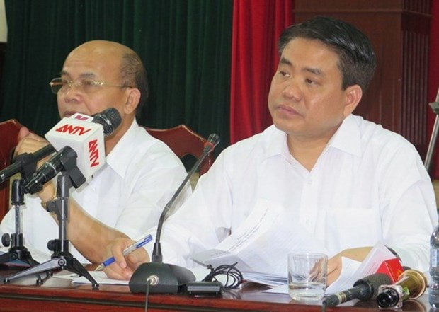 Hanoi leader holds dialogue with Dong Tam commune's residents hinh anh 1