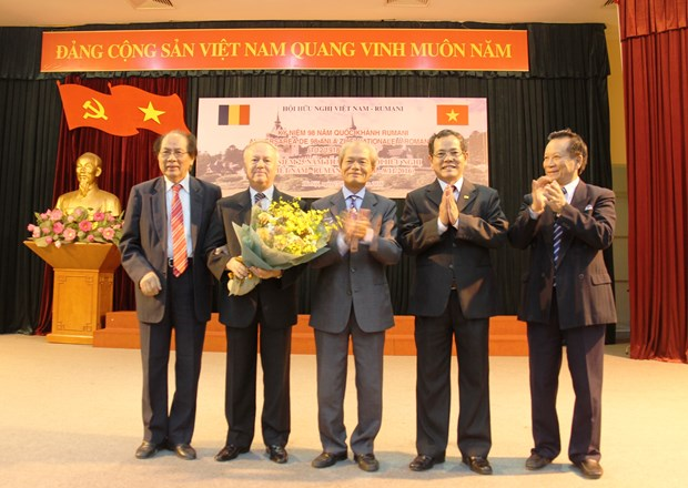Association works to promote Vietnam-Romania relations hinh anh 1