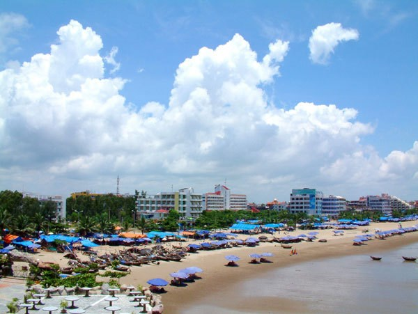Thanh Hoa marks 110th anniversary of Sam Son tourism hinh anh 1