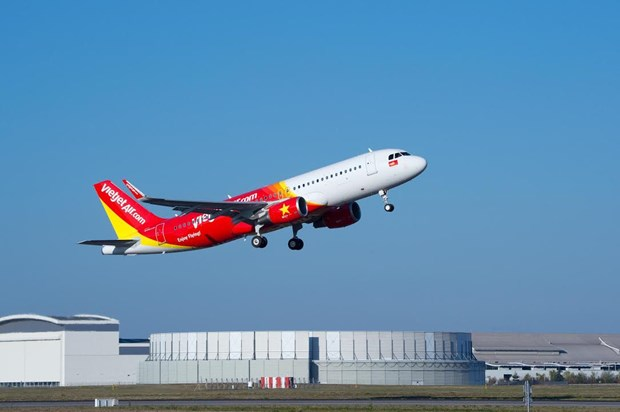 Vietjet airline records positive business results in Q1, 2017 hinh anh 1