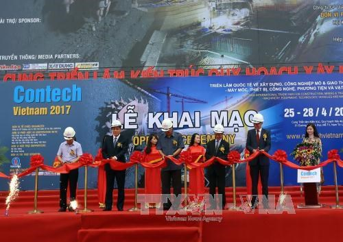 Contech Vietnam 2017 opens, attracts foreign manufacturers hinh anh 1